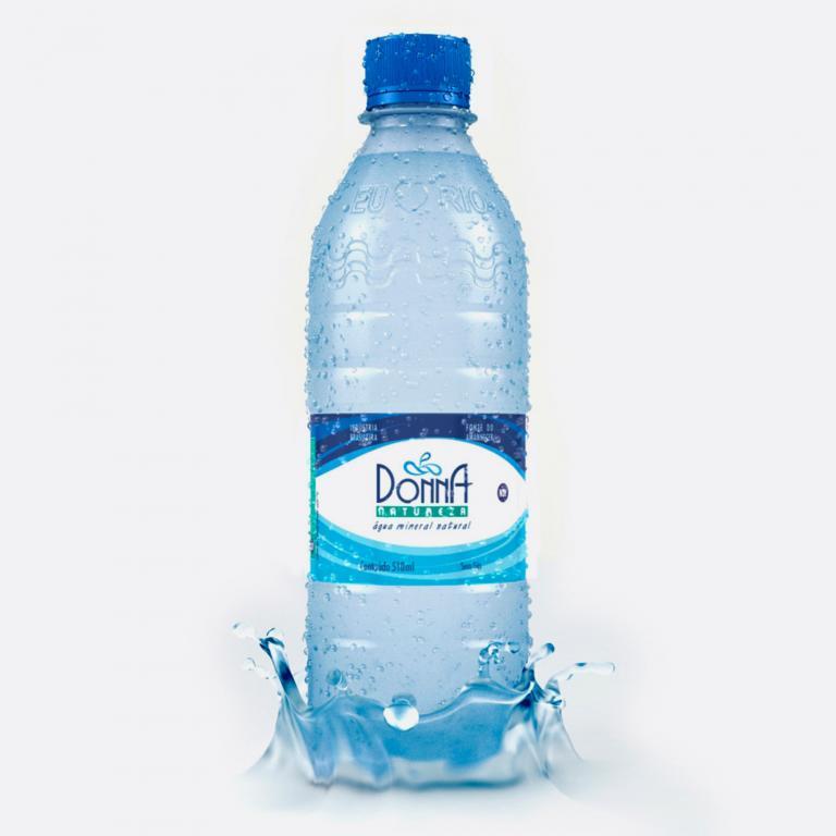 Desenvolvimento do mockup 3D digital, packshot da embalagem da Água Mineral Donna Natureza para a concessionária de água mineral Bela Vista.