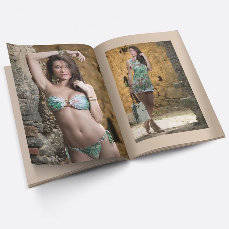 Planejamento visual do catálogo de produtos para a Acquamare, indústria e comércio de moda praia.